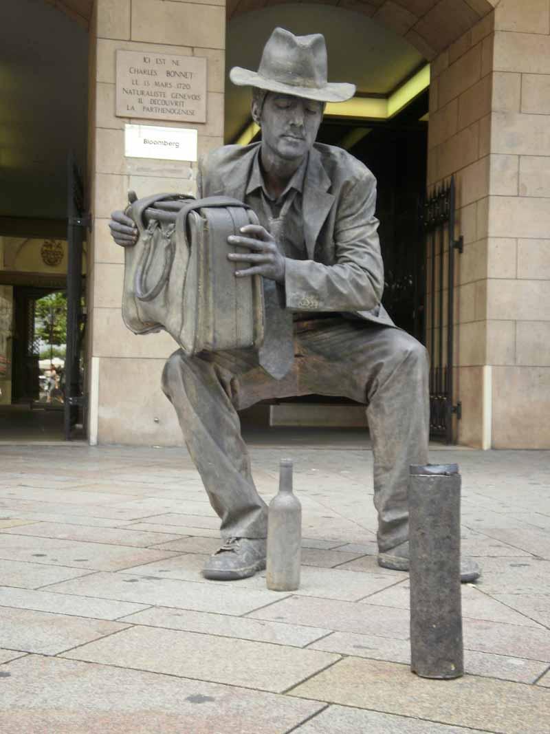 les zums  u00bb homme statue assis sans chaise  comment fait il